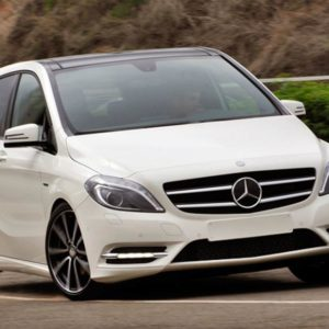 1_578_872_0_70_http___cdni.autocarindia.com_ExtraImages_20120719094603_Autocar-India_Mercedes-Benz-B-class-India (7)